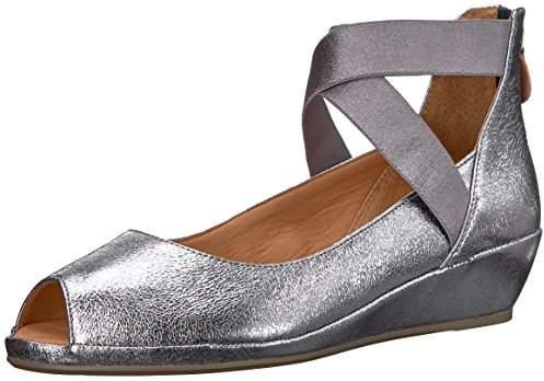 49847041350 by Kenneth Cole Women's LISA LOW WEDGE PEEP TOE ELASTIC STRAP Shoe