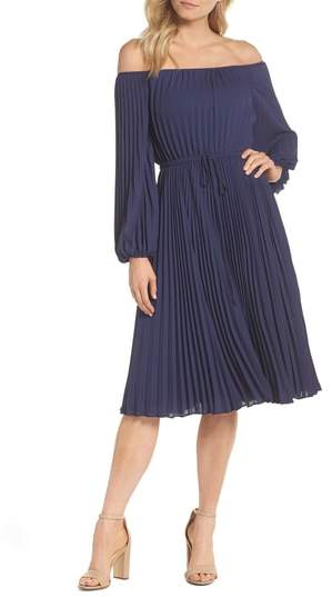 Gal Meets Glam Elise Off the Shoulder Pleated Georgette Dress