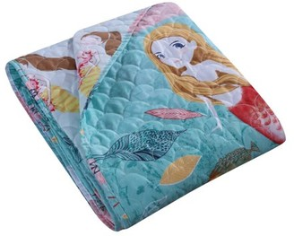 Global Trends Marina Quilted Throw Blanket