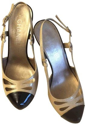 Chanel Slingback Gold Patent leather Heels