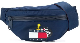Looney Tunes x logo-print belt bag