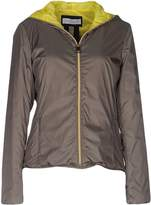 Caractere Jackets