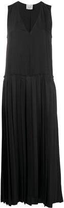 Alysi Sleeveless Pleated Maxi Dress