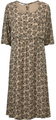 Masai Clothing Company - Nellie Dress Nomad - Fitted Regular - viscose | XS (10-12) | taupe - Taupe