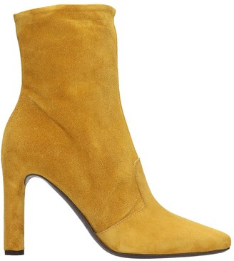 Del Carlo High Heels Ankle Boots In Yellow Suede