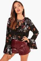 boohoo NEW Womens Kate Printed Ruffle Tie Neck Shirt in Polyester 3% Elastane