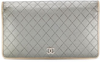 Chanel Pre Owned Diamond Quilted Flap Wallet