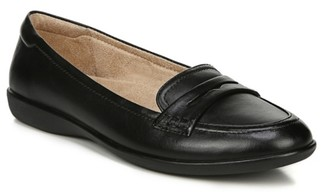 Naturalizer Finley Penny Loafer