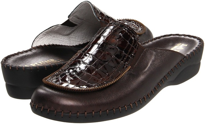 La Plume Brynn Tail (Brown) - Footwear