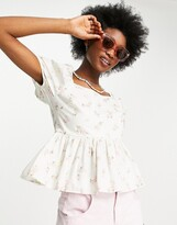 Thumbnail for your product : New Look shirred top in white floral