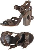 Elisanero Sandals