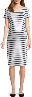 BELLE + SKY Belle & Sky Maternity Short Sleeve Scoop Neck Shirred Side Dress