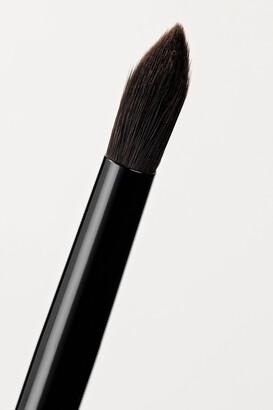 RAE MORRIS Jishaku 8 Vegan Medium Point Shader Brush - Black