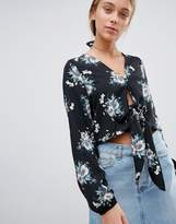 Gilli Floral Tie Front Blouse