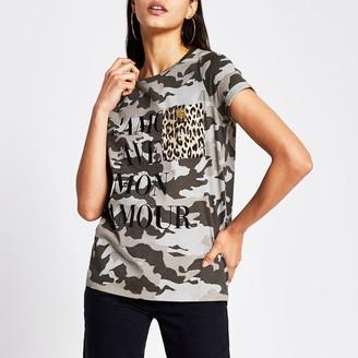 River Island Womens Green camo printed chest pocket T-shirt