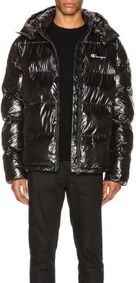 Champion Reverse Weave Hooded Puff Jacket in Black | FWRD