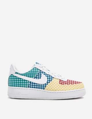 Nike Force 1 '07 QS Sneaker in White/White/Mystic Green