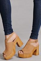 Forever 21 FOREVER 21+ Sbicca Platform Sandals