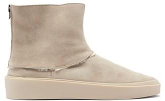 Fear Of God Polar Wolf Shearling Boots - Grey