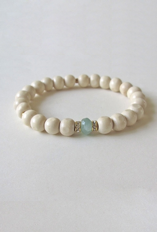 Boutique To You Bijouterie Light Wood Jade Bracelet with Mint