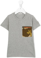 Moncler camouflage pocket T-shirt - kids - Cotton/Polyamide - 4 yrs