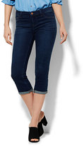 New York & Co. Soho Jeans Crop SuperStretch Legging - Highland Blue Wash