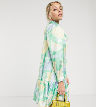 Twisted Wunder mini smock dress in bright floral