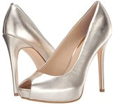 GUESS Honorey (Gold) Women's Shoes