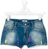 MSGM Teen skateboard charm denim shorts - kids - Cotton/Spandex/Elastane - 14 yrs
