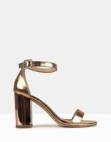 betts Ornate-2 Metallic Single Sole Sandals