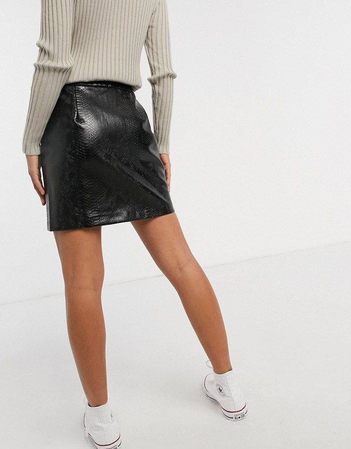 Thumbnail for your product : New Look faux croc zip mini skirt in black