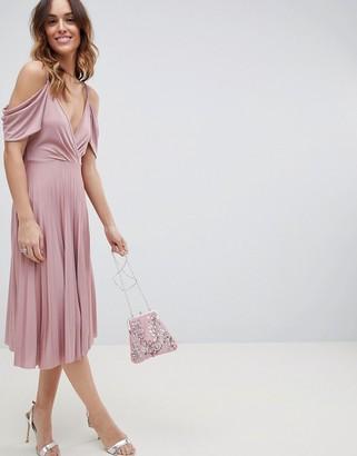 Asos Design DESIGN cold shoulder cowl back pleated midi dress-Pink