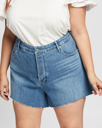 Good American Bombshell Shorts with Split Pockets