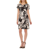 Robbie Bee Short Sleeve Floral Sheath Dress-Petites