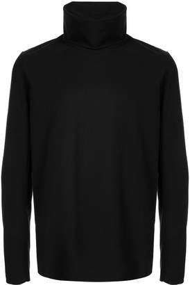 Attachment turtle neck jumper