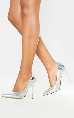 PrettyLittleThing Silver Metallic Court Shoe