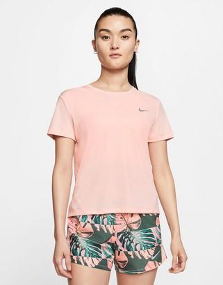 Nike Running Miler t-shirt in pink