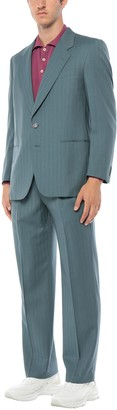 MAJESTY HOUSE Suits