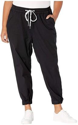 Jet Set Levi's(r) Plus Jogger (Comfy Black) Women's Casual Pants