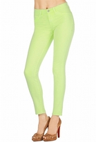 811 Mid-Rise Skinny in Neon Yellow
