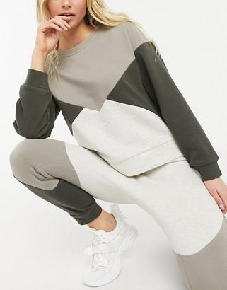 BB Dakota colourblock sweater in ivory