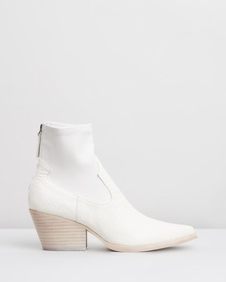 Dolce Vita Shanta Leather Ankle Boots