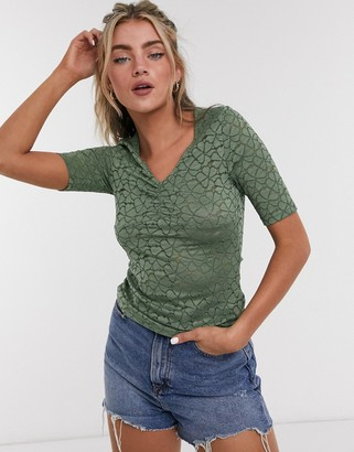 Only lenni gathered front t-shirt in green