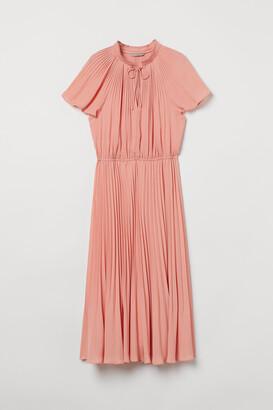 H&M Pleated dress