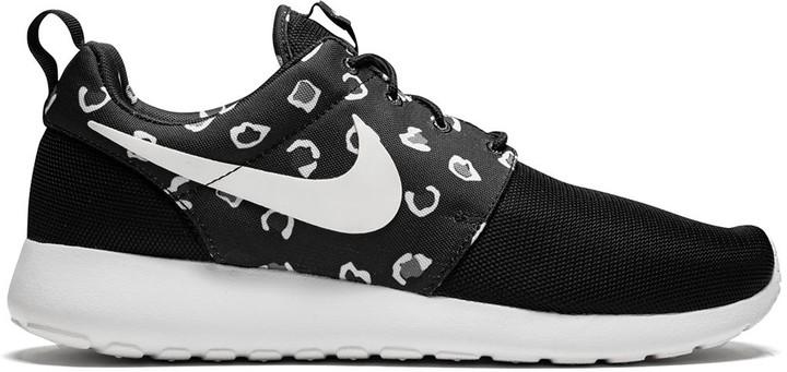 Estribillo Adiós escucho música  Nike Rosherun leopard print low-top sneakers - ShopStyle