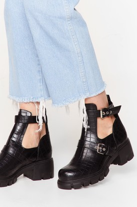 Nasty Gal Womens Cut-Out of Their League Chunky Croc Boots - Black