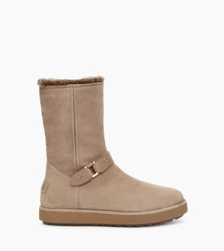 UGG Classic Berge Short Suede