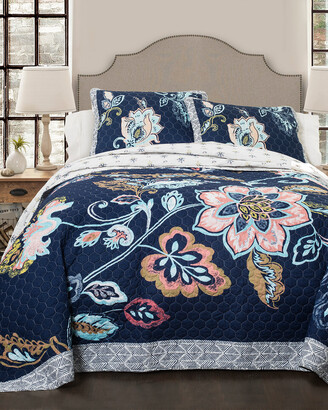Triangle Home Fashion Aster Quilt Set