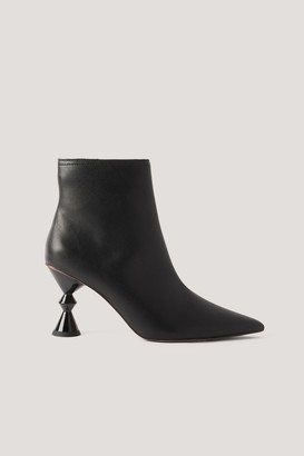 NA-KD Architecture Heel Booties