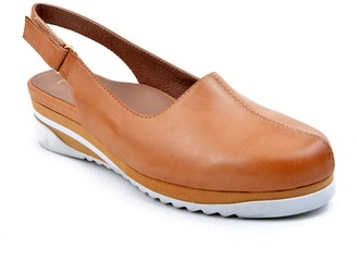 Bettye Muller Concepts Taye Leather Slingback Wedge